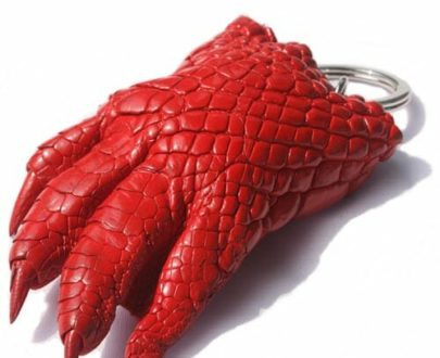 móc khóa tay cá sấu ngọc quang