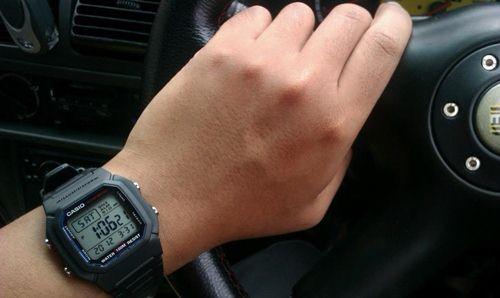 cách sử dụng đồng hồ điện tử
