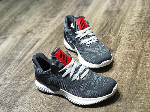 cách order giày từ nước ngoài