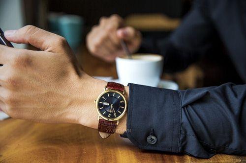 đeo đồng hồ theo phong thủy