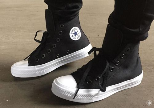 Cách xỏ dây giày
