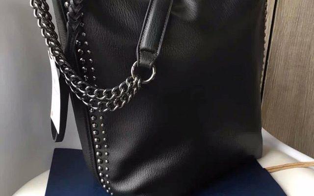 cách làm ngắn dây túi xách