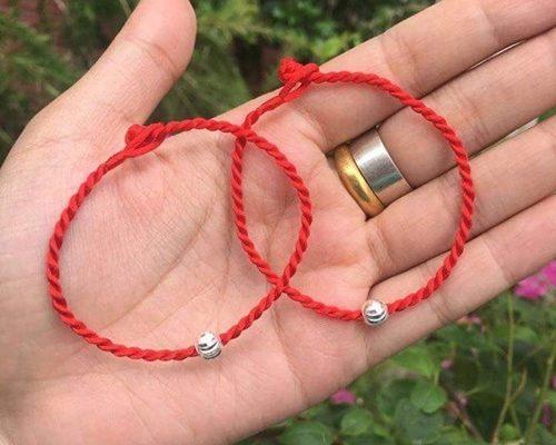 dây đỏ may mắn