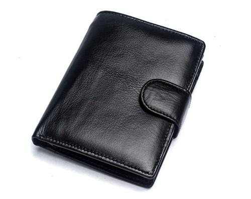 Mệnh kim dùng ví màu gì