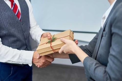 quà tết cho nhân viên