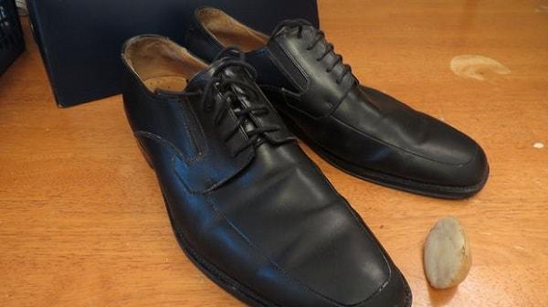 cách làm mềm giày da