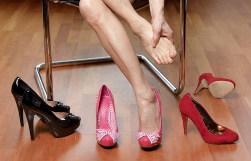 cách làm rộng giày