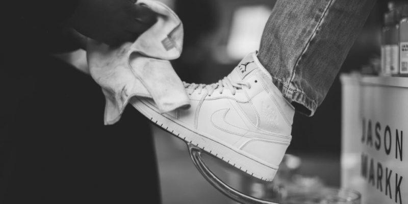 cách làm sạch giày