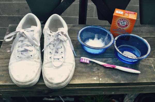 cách làm sạch giày vải