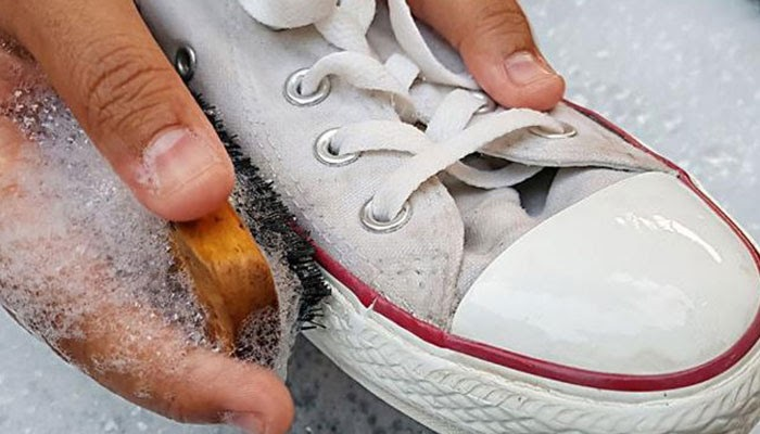 cách làm trắng giày
