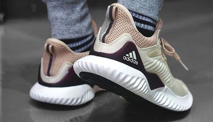 Các dòng giày Adidas hot nhất hiện nay
