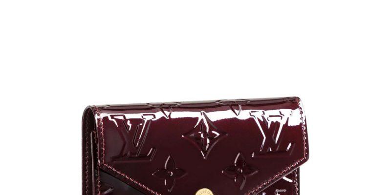 Clutch Louis Vuitton thể hiện sự sang trọng, đẳng cấp cho chủ nhân